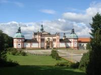 Экскурсия на Святую Гору и в замок Карлштейн